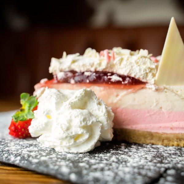 strawberry_cheesecake-min
